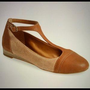 Sale 🎈🎊🎉Lucky Brand T Strap Sandal